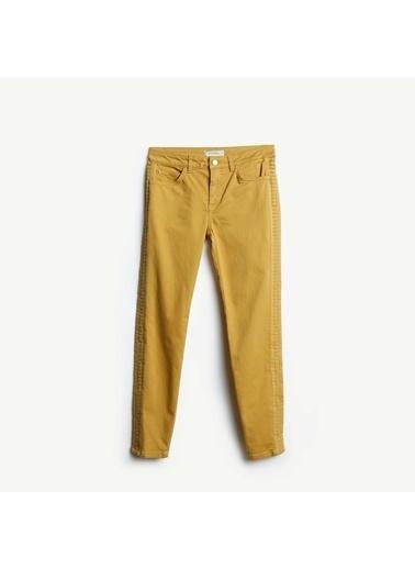 Yargıcı Nervür Detaylı Pantolon Yeşil